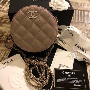 BNWT Chanel Pearly iridescent beige round clutch